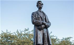 An 11-foot bronze statue of Abraham Lincoln was unveiled at Lytle Park on March 31, 1917.