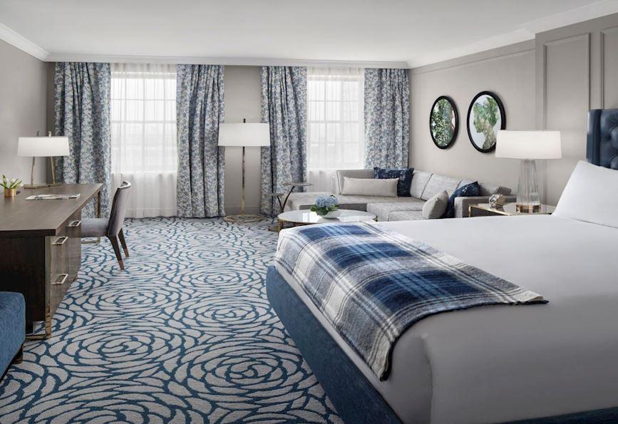Room king standard in the Lytle Park Hotel Pike Street, Cincinnati