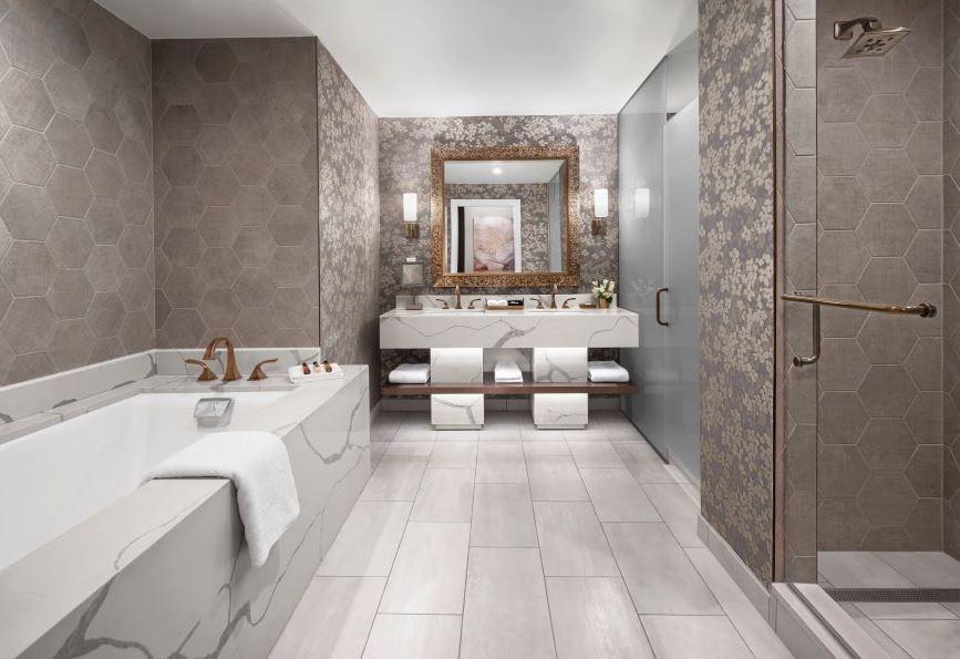 Room king, suite, Cincinnati